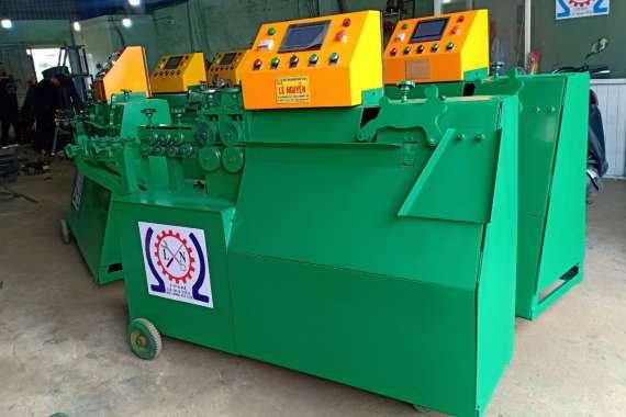 Giao máy uốn đai sắt tự động cho khách tại Hậu Giang